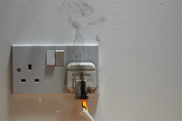 Mengetahui di lakukan saat terjadi kebakaran akibat korsleting listrik